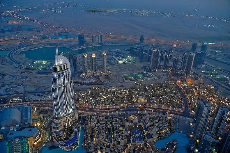 La visita in cima al grattacielo pi alto del mondo - Dubai a gennaio si fa il bagno ...