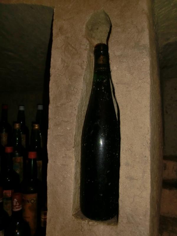 nicchia bottiglia