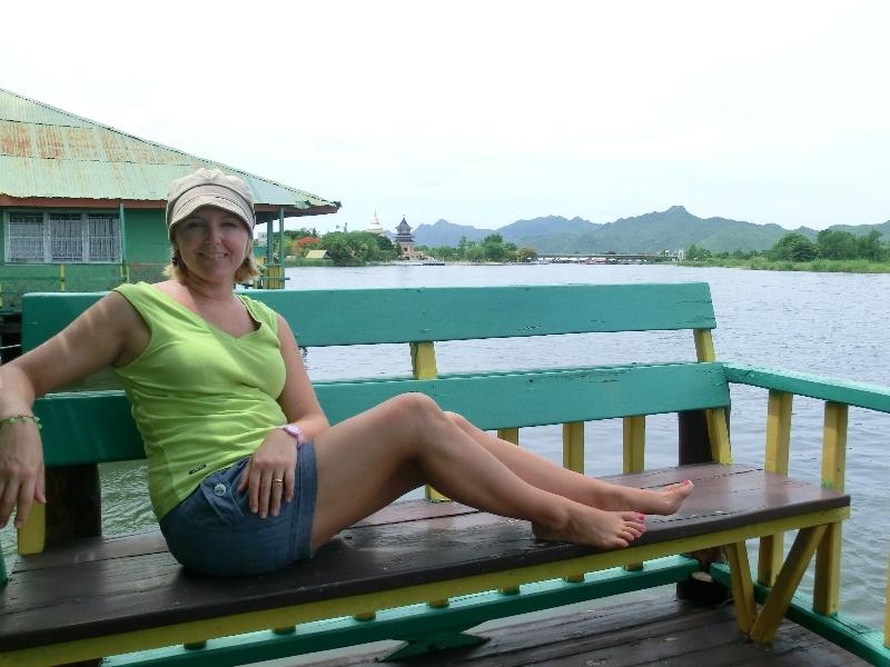 Balcone galleggiante fiume kwai