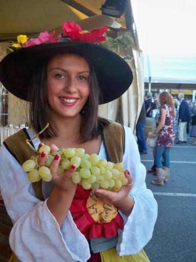 monferrina, personaggio festa casale monferrato, festa dell'uva casale monferrato