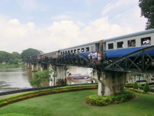 In terza classe sul Treno della Morte verso Kanchanaburi