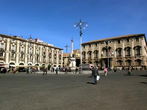 piazza del duomo catania, simbolo di catania, piazza principale catania