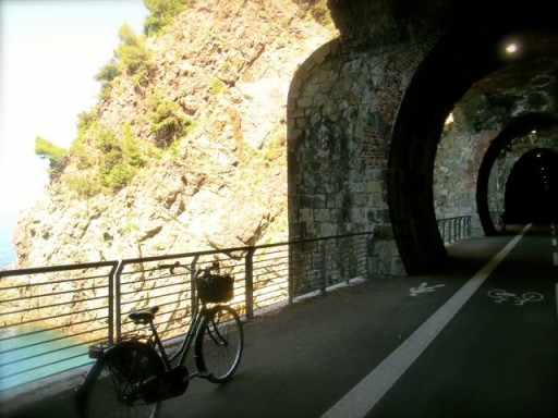 pista ciclabile, bicicletta in liguria, bonassola, levanto, framura