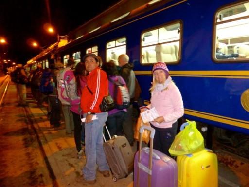 trenino machu picchu, treno panoramico perù, treno per machu picchu
