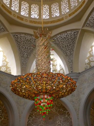 grande moschea bianca oman, lampadari oman