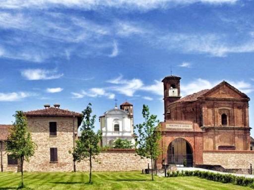 L'ingresso al Principato di Lucedio, oggi rinomata azienda agricola