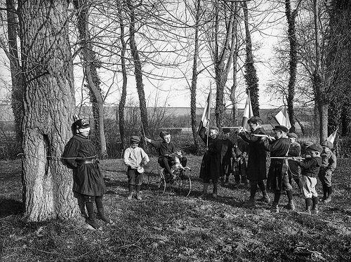 bambini giocano alla guerra fucilazione tedesco