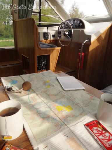 Una classica colazione in barca. Energia e studio della mappa!