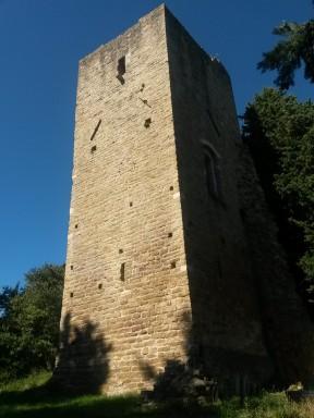 La Torre del Cassero, testimonianza di un antico forte a difesa del borgo medievale