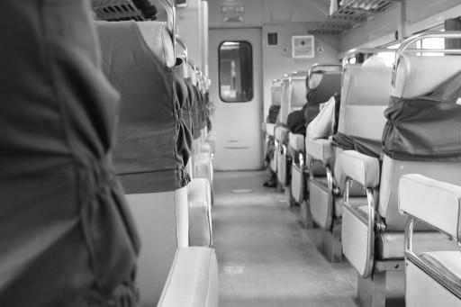 Foto in notturna, sul treno per Malang in classe Bisnis. Non fatelo! Dico davvero!