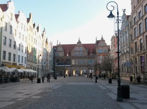 La Porta Verde vista dalla Piazza Lunga. Siamo nel cuore di Danzica