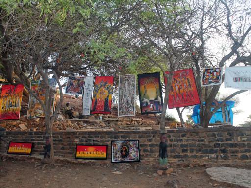 La vena artistica di Gorée traspare in ogni angolo, i grió qui hanno trovato casa