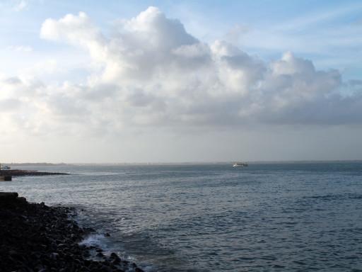 L'Oceano Atlantico appare infinito dalla casa da cui dipartivano le navi di schiavi verso l'America