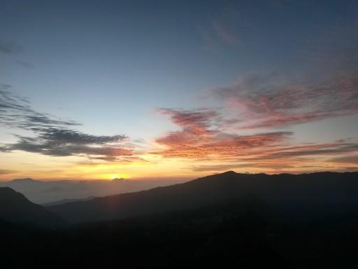 L'alba più intensa ed emozionante? Sulle pendici di fronte al Vulcano Bromo, dopo una salita sopra i 2000 m slm