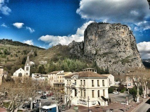 Il paesino di Castellane con il suo orrido a strapiombo è stata la mia base di soggiorno