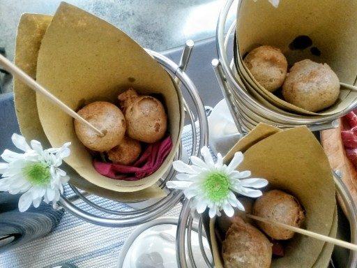 Impasto con cuore di formaggio e impanatura croccante, questi sono gli Sciatt. Oggi anche street food