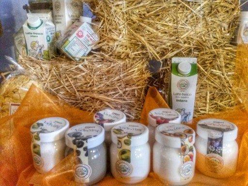 Uno dei prodotti top quality della Latteria di Chiuro è lo yogurt. Lo si trova anche all'Esselunga, per dire.