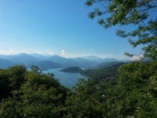 Panorami che solo le montagne intorno al lago d'Orta sanno regalare