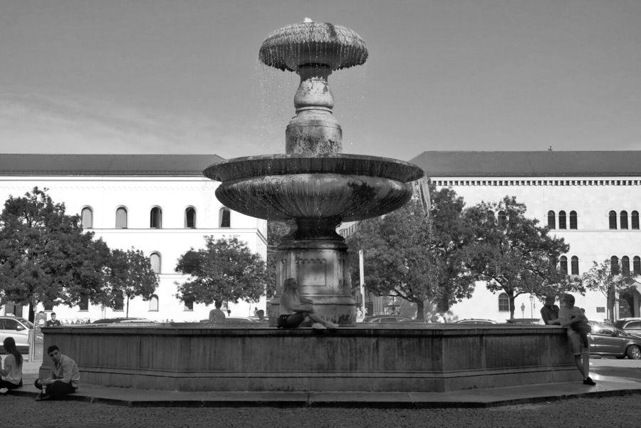 Monaco: la fontana dell'Università