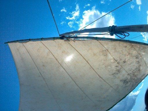 Prendere un passaggio in dhow, la barca dei pescatori, è un must!