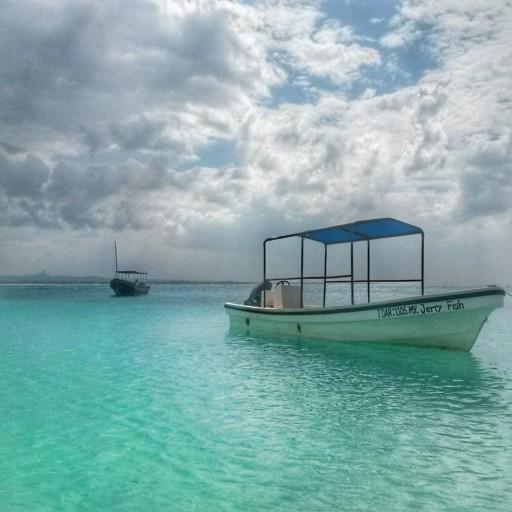 In Tanzania come ai Caraibi sulle isole di fronte alla costa. Qui Mbudya