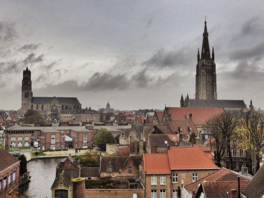 Bruges dai tetti
