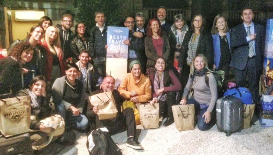 best in travel blog tour